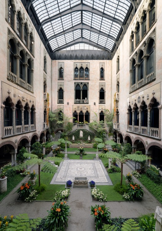 My perfect wedding venue: The Isabella Stewart Gardner Museum in Boston. They don't do weddings.